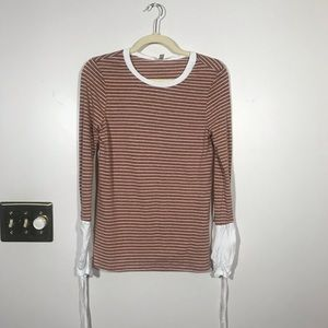 GILLI Long Sleeve Top with Ruched cuffs Size Small